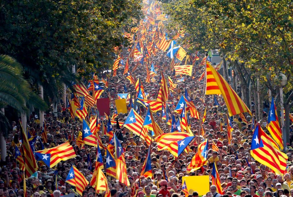 Imagen de la celebración de la Diada 2015 en Barcelona. Foto: Albert Gea (Reuters). Vía jllobo.wordpress.com